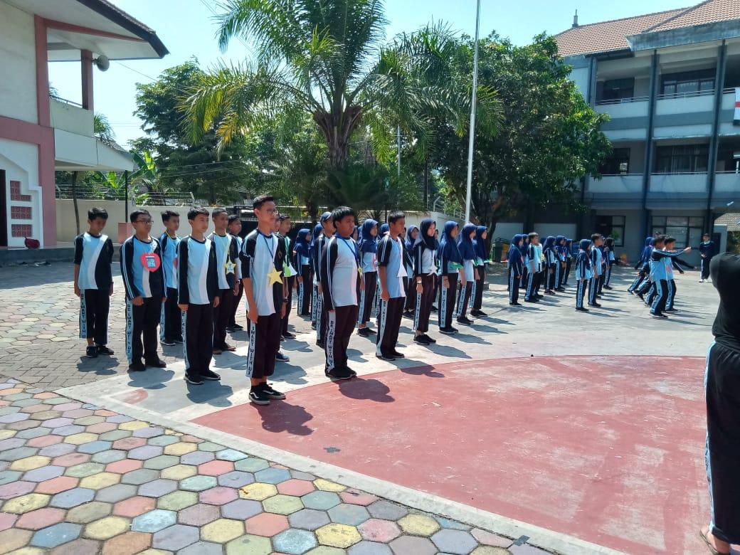 Latihan Dasar Kepemimpinan OSIS, MPK, dan SKI  Periode 2019 – 2020 SMP BSS