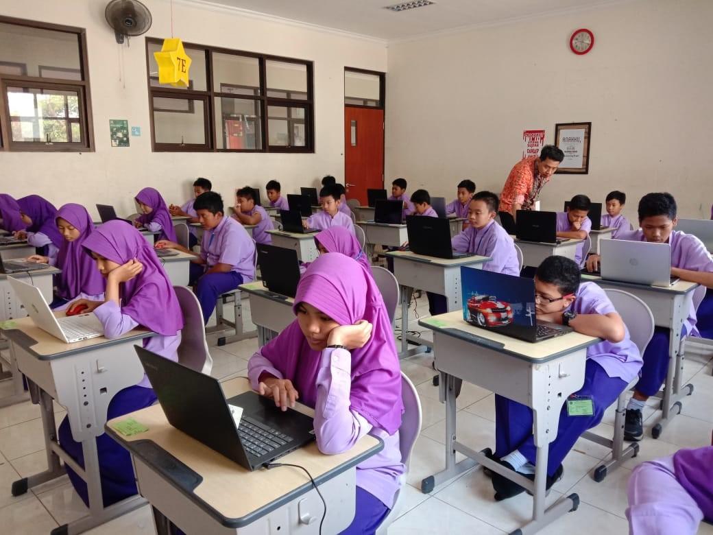 Penilaian Tengah Semester Berbasis Komputer (PTSBK) Gasal SMP BSS 2019/2020